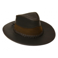 Sombrero en  cuero  negro